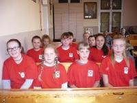Wolontariusze SKC z Walec z modlitwą różańcową w Domach Pogodnej Starości_2