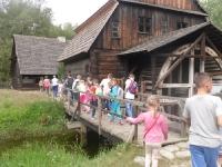 Wycieczka dla dzieci zorganizowana przez Parafialny Zespół Caritas